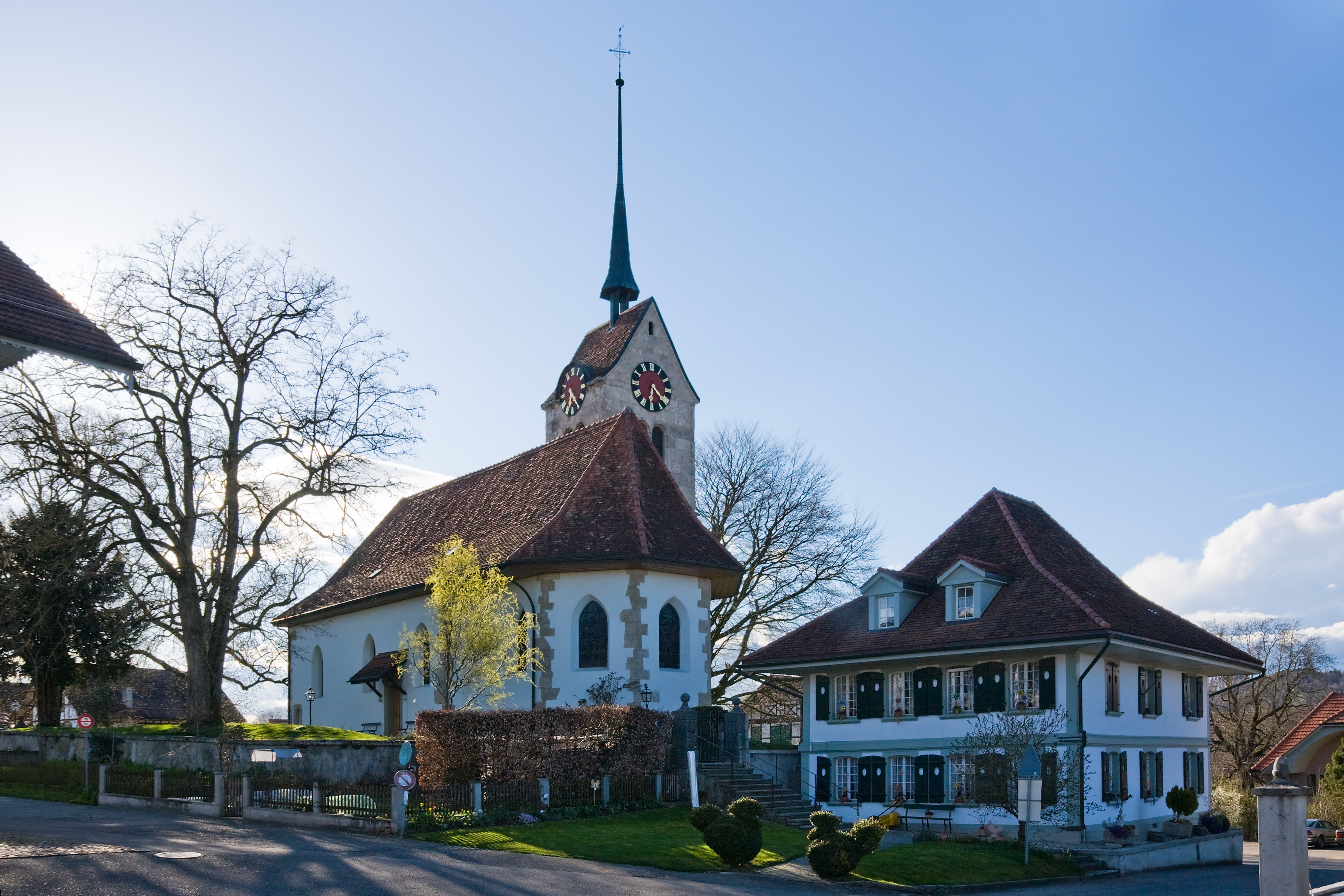 Kirche und Gemeindehaus Messen Schweiz